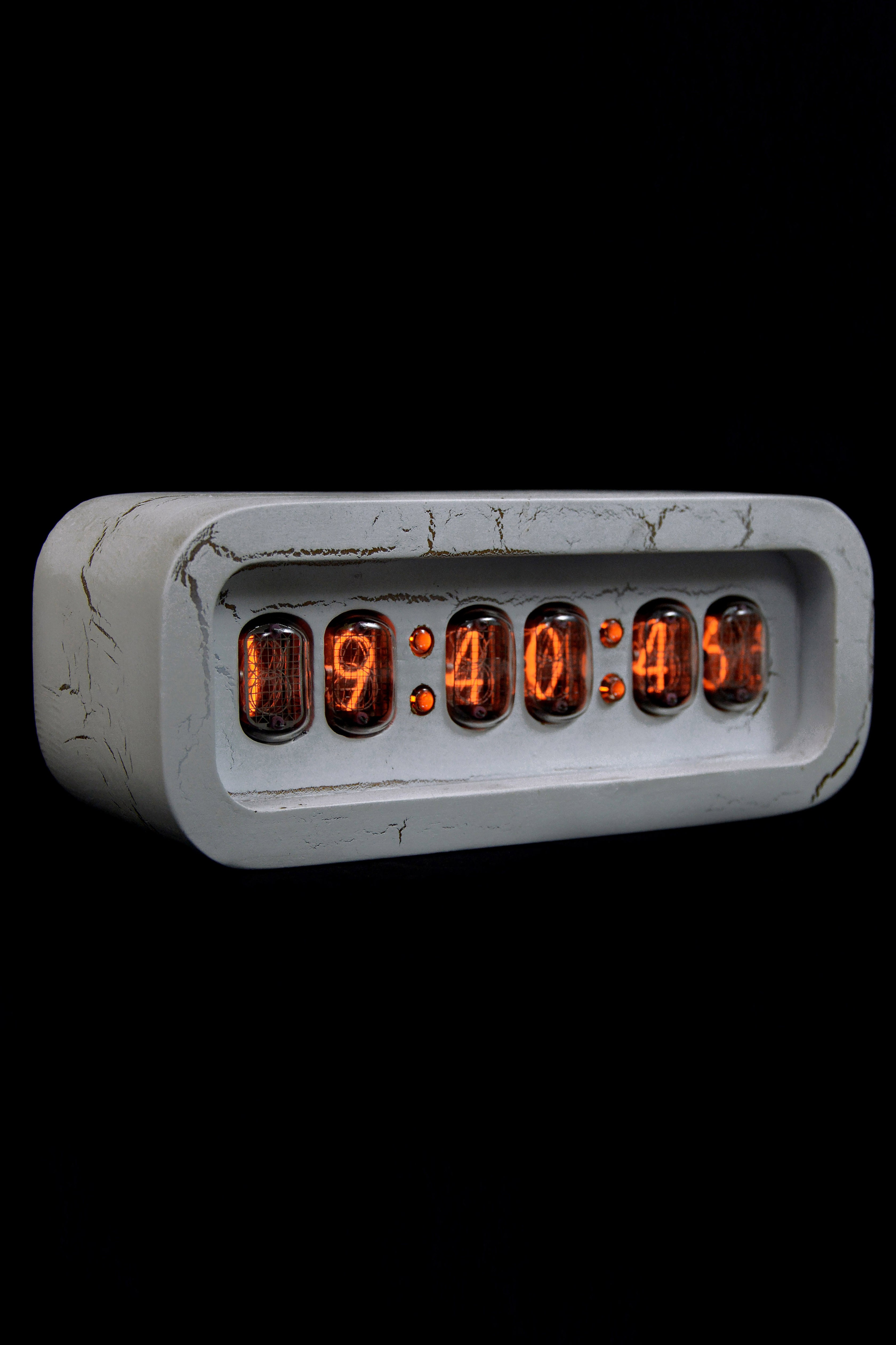 Ламповые ретро часы - деревянные (белые) в Ярославле