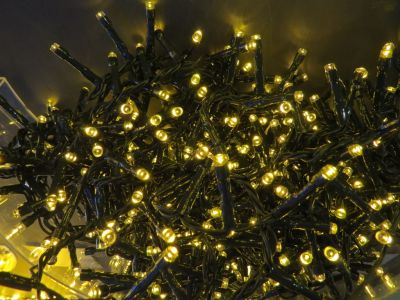 Светодиодная гирлянда (теплый свет)Triumph Tree 83074 для улицы и дома 740 см в Ярославле